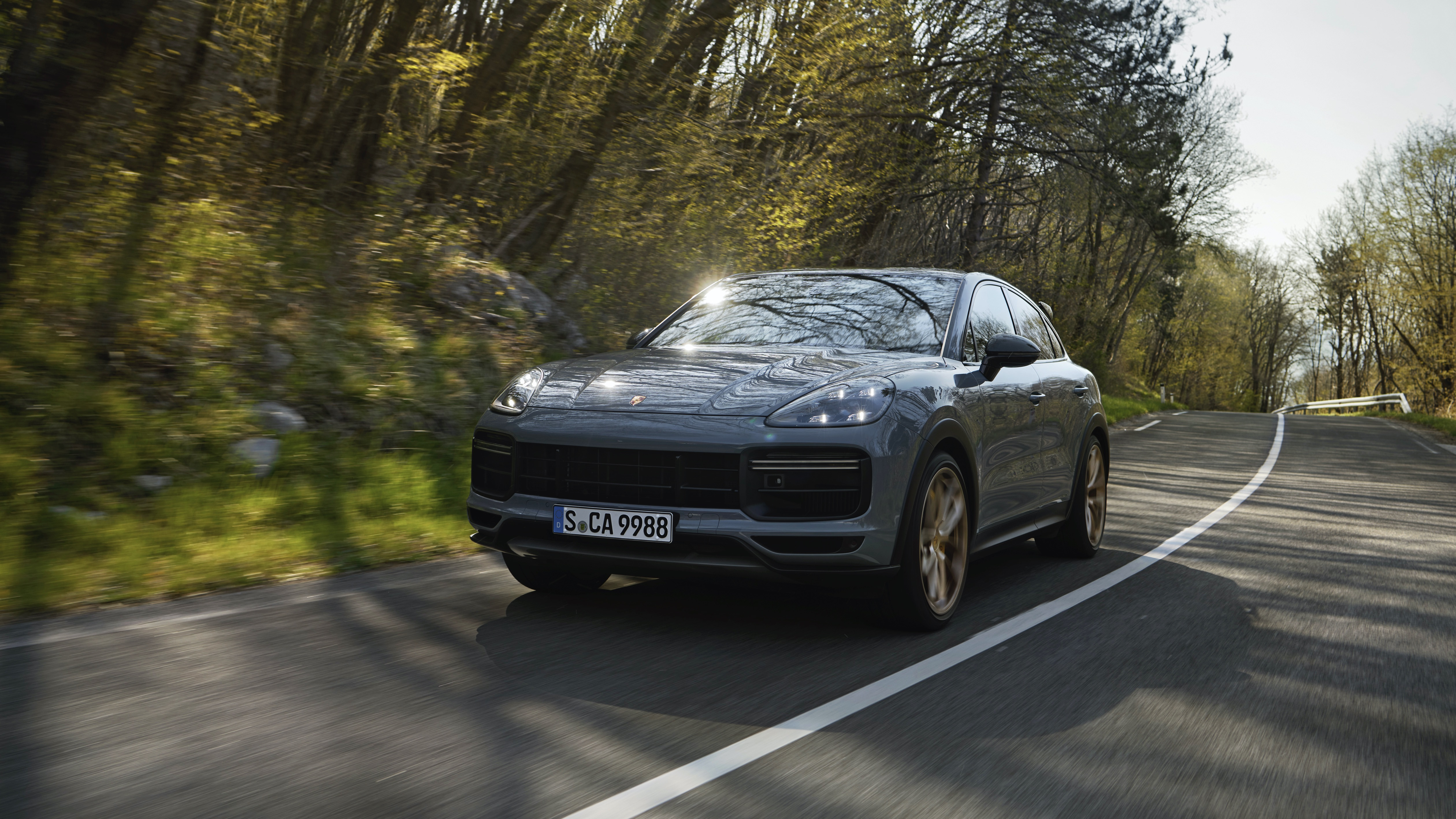 Porsche's New SUV Monster Boasts a V8 In a Small Engine Market